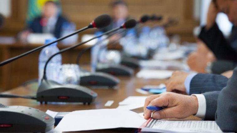 «Неспособны реализовать экономические задачи»: Президент страны отправил правительство в отставку