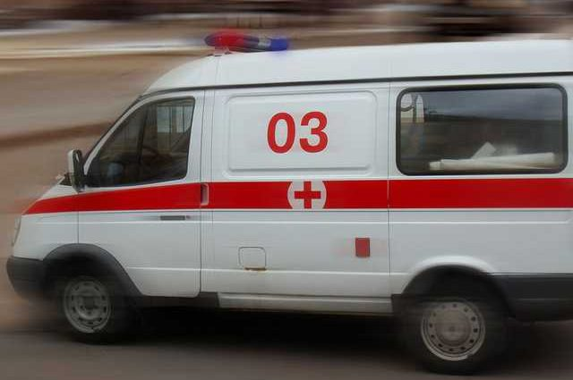 Мужчина выпал с 12-го этажа и выжил: стало известно как он спасся