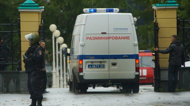 В Петербурге и Москве эвакуировали торговые центры после сообщений об угрозе взрыва