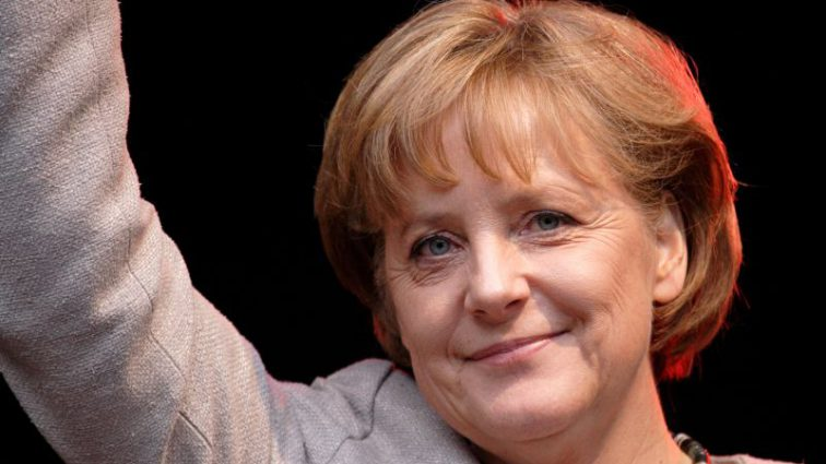 Уходит из политики: Ангела Меркель удалила свою официальную страницу в Facebook