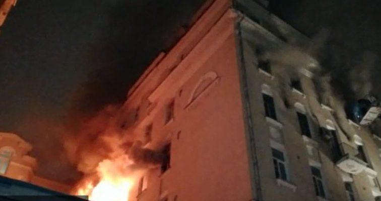 Пожар в элитном московском доме: Пропала дочь известного музыканта
