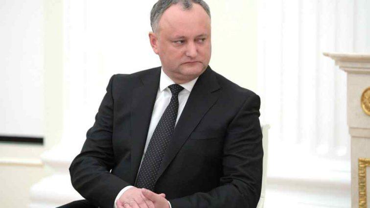 «Получил письмо-предупреждение»: Президент Молдовы попал в ДТП