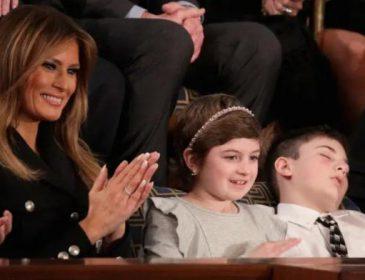 «Символ сопротивления»: тезку Трампа пригласили в Конгресс на выступление президента, во время которого подросток уснул и проснулся знаменитым