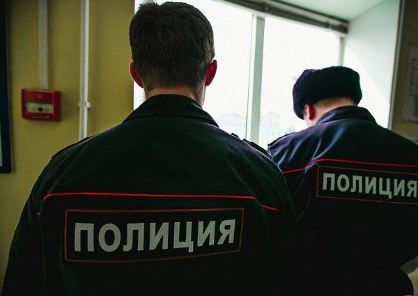 «Давно конфликтует с соседями»: В доме известного российского певца нашли бездыханное тело женщины